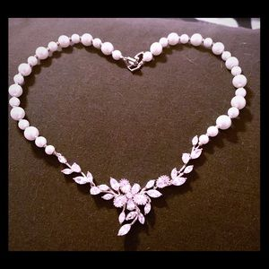 Pearl and crystal vintage necklace